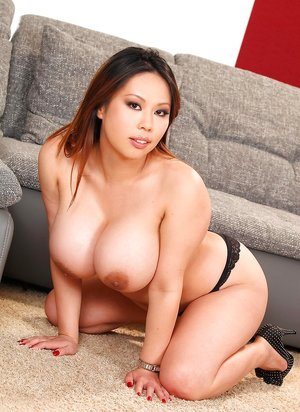 Asian Busty Moms Pictures