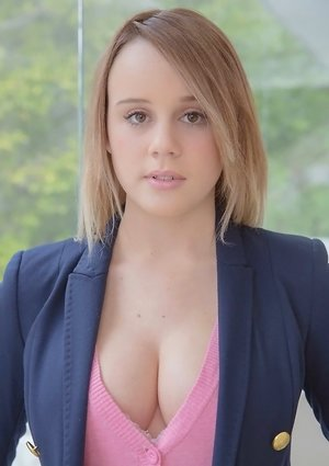 Busty Teens Pictures