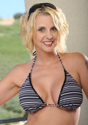 Busty Moms in Bikini Pictures