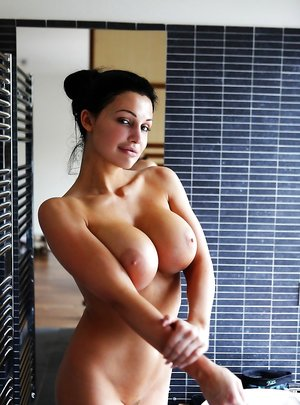 Busty Babes Pictures