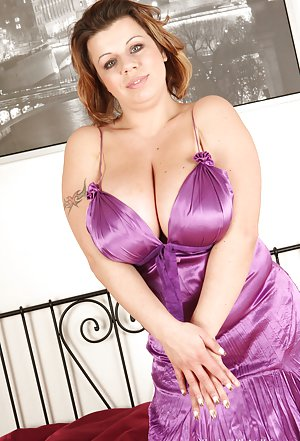 European Busty Moms Pictures
