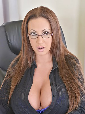 Busty Moms in Glasses Pictures