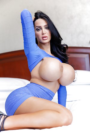 Busty Moms Pornstars Pictures