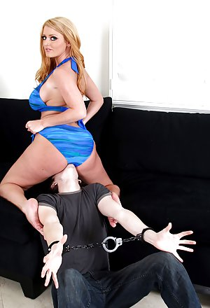 Mistress Busty Moms Pictures