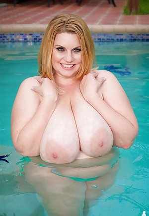 Busty Moms in Pool Pictures