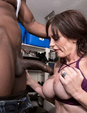 Interracial Busty Moms Pictures